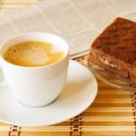 Завтрак и газеты — Стоковое фото