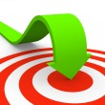 Arrow pointing on target — Stock Photo