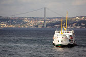 Ponte do Bósforo estreito, Istambul — Fotografia Stock