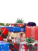 Haufen weihnachtsgeschenke — Stockfoto