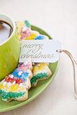 Coffee with christmas cookies and tag — Zdjęcie stockowe