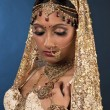 Indian bride posing for the camera — Stock fotografie