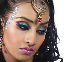 Close up image of a attractive female wearing make up and weddin — Stock Photo