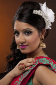 Pretty woman in indian traditional clothing — Stock Photo