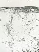 Bellen op een wateroppervlak — Stockfoto