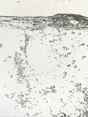 Bolhas em uma superfície de água — Foto Stock