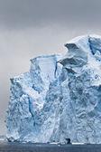 Айсберг на Приантарктический океан — Стоковое фото