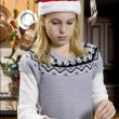 Girl making gingerbread house — Stock Photo