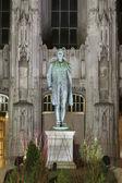 Hale statue in chicago — Stock Photo