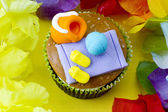 Close up image of a cupcake with decorative miniature toppings s — Stock Photo