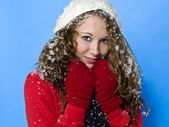 Cute young woman in winter clothing — Stock Photo