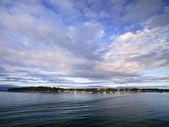波纹海上日落时的视图 — 图库照片