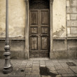 Vintage door in the tuscany region of italy — Stock Photo #19455155