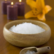 466 spa salt with flower and candles — Stock Photo