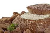 328 pumpernickel bread with spinach dip — Stock Photo