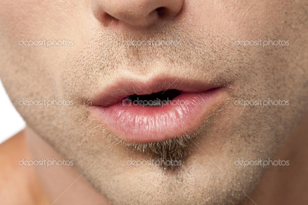 Крупные губы у мужчин