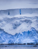 Antarctic Iceberg with Blue reflection — Stock Photo