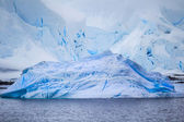 Multiple icebergs from the Antarctic — Stock Photo
