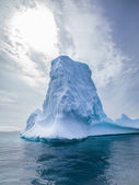 Towering iceberg antarctica — Stock Photo