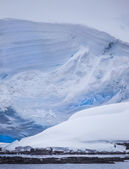 Massive Antarctic Iceberg — Stockfoto