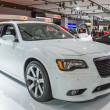 Постер, плакат: 2013 Chrysler 300C Luxury car image white 1