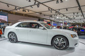 2013 chrysler 300c luxe auto beeld wit 2 — Stockfoto