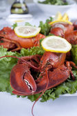 A plate with lettuce and lobster — Stock Photo