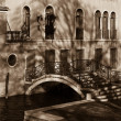 Bridge over channel. Sepia image of Venice.  — Stock fotografie