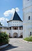 Dominerat av savvino-storozhevsky kloster. ryssland. zvenigorod. — Stockfoto