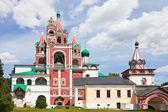 Glockenturm in savvino-storozhevsky-kloster in swenigorod. russland. — Stockfoto