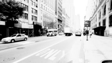 New York Street, Black and White — Stock Video