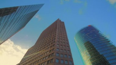 Corporate buildings on Potsdamer Platz in Berlin — Vídeo de stock