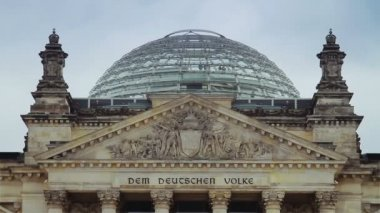 Detail of Reichstag building in Berlin — Stock Video