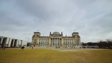 Parliament building in Berlin — Vídeo de stock