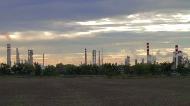 Oil refinery in Bratislava — Stock Video