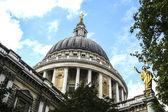 在伦敦 St Paul 教堂的圆顶 — 图库照片