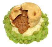 Steak And Kidney Pudding With Mashed Potato And Peas — Stock Photo