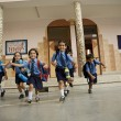 School children running — Stock Photo