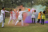 Friends celebrating Holi — Stockfoto