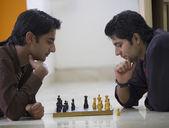 Men playing chess — Stock Photo