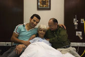 Family at hospital — Photo