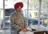 Sikh taxi driver — Stock Photo