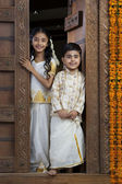 South Indian girl with her brother — 图库照片