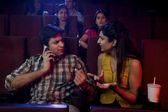 Couple watching a movie — Stockfoto