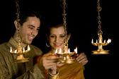 Casal iluminação diyas — Fotografia Stock