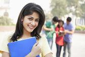 Genç üniversite öğrencisi — Stok fotoğraf