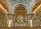 Sheikh Zayed Grand Mosque in Abu Dhabi, United Arab Emirates — Stock Photo