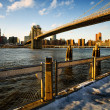 Постер, плакат: Brooklyn Bridge and East River