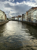 Canal in brugge — Stockfoto