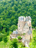 Burg Eltz Vertical — Stock Photo